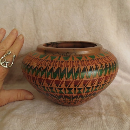 Red clay pottery with geometrics designs and horse hair for Pottery designs with clay